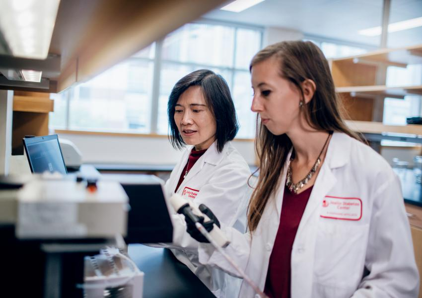 Joslin researchers in the lab.